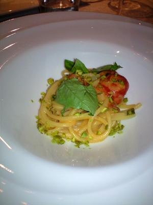 何回目かは忘れたけれど、今日もとっても美味しかったイタリア料理の〝インカント〟