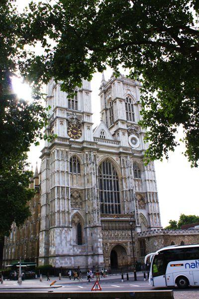ロンドン滞在記 その3 ウエストミンスター寺院~バッキンガム宮殿まで散歩
